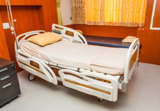 6 Hospital Beds That You Can Buy For Your Home