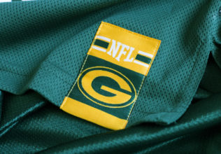Best Places to Get NFL Cheap Jerseys