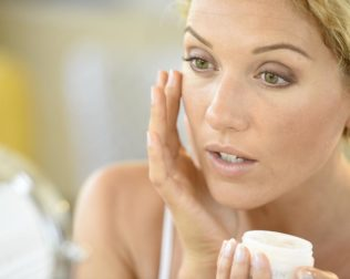 Natural Skincare Regimens for Dry Skin