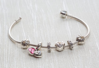 PANDORA – The Perfect Jewelry Store For Bracelets and Charms