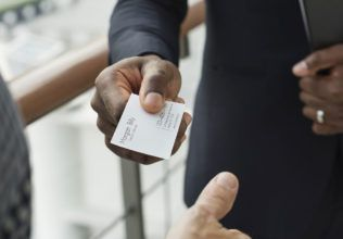 Why you must consider using business cards