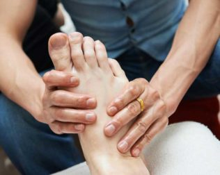 Rheumatoid Arthritis and Gout Foot Pain – Best Treatment Options